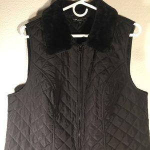 I.N. In studio Quilted lightweight vest
